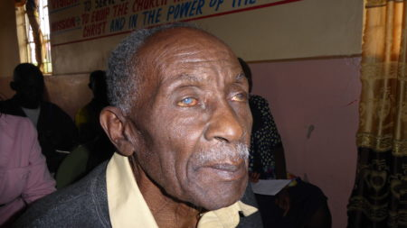 KEnyan man receoves sight-saving cataract surgery through Operation Eyesight