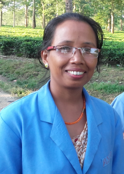 Jabow, an Operation Eyesight-trained community health worker, and her family live in beautiful Kheram Bisa, India, famous for its tea garden. Her husband works as carpenter in the village, and their two daughters and one son are in school.